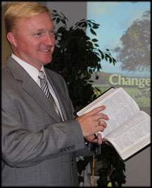 2014-Pastor-Kevin-Preaching